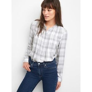 GAP gray & white plaid pintuck popover blouse